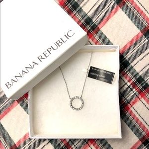 NWT Banana Republic Open Eternity Circle Necklace
